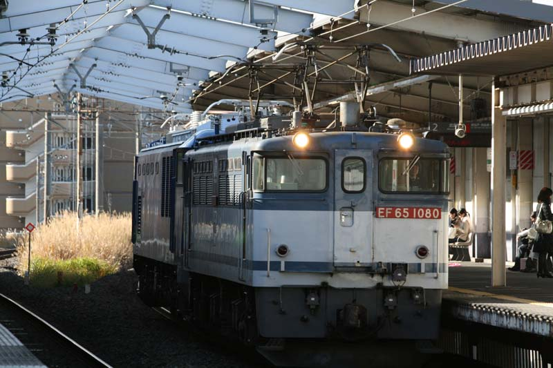 EF651080 2009/12三郷駅にて