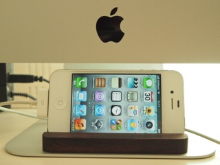 iMacとiPhone 4S