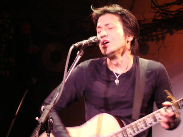 4.12 Tell's Live At Apia !