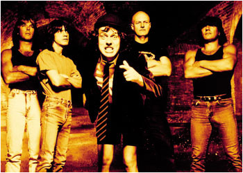 AC/DC 『You Shook Me All Night Long』♪♪♪♪♪
