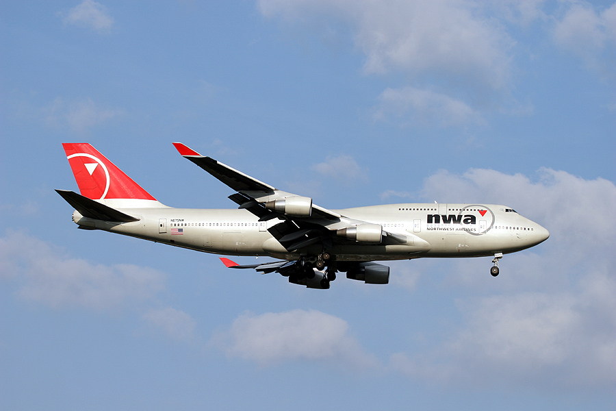 N675NW  NorthWest Airlines B747-400