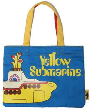 We all live in a yellow submarine♪(子供服・イエローサブマリン)
