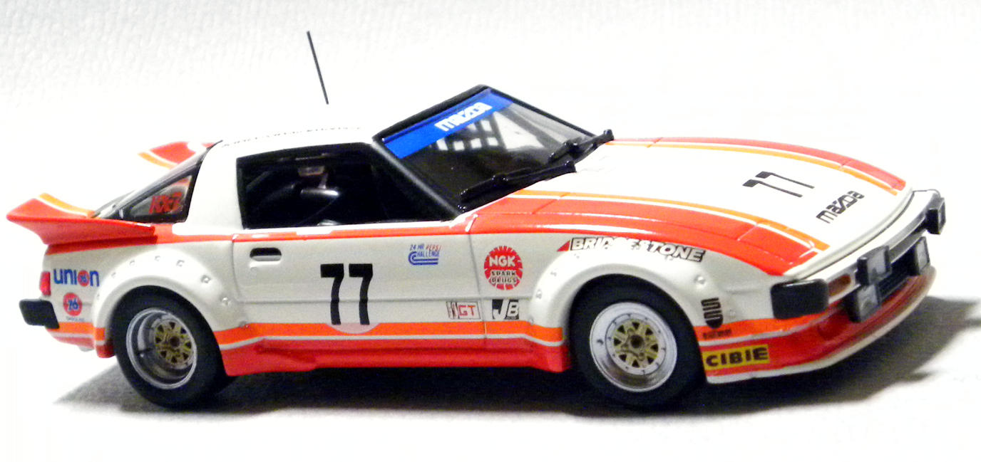 MAZDA SAVANNA RX-7 SA22C RACING no.77
