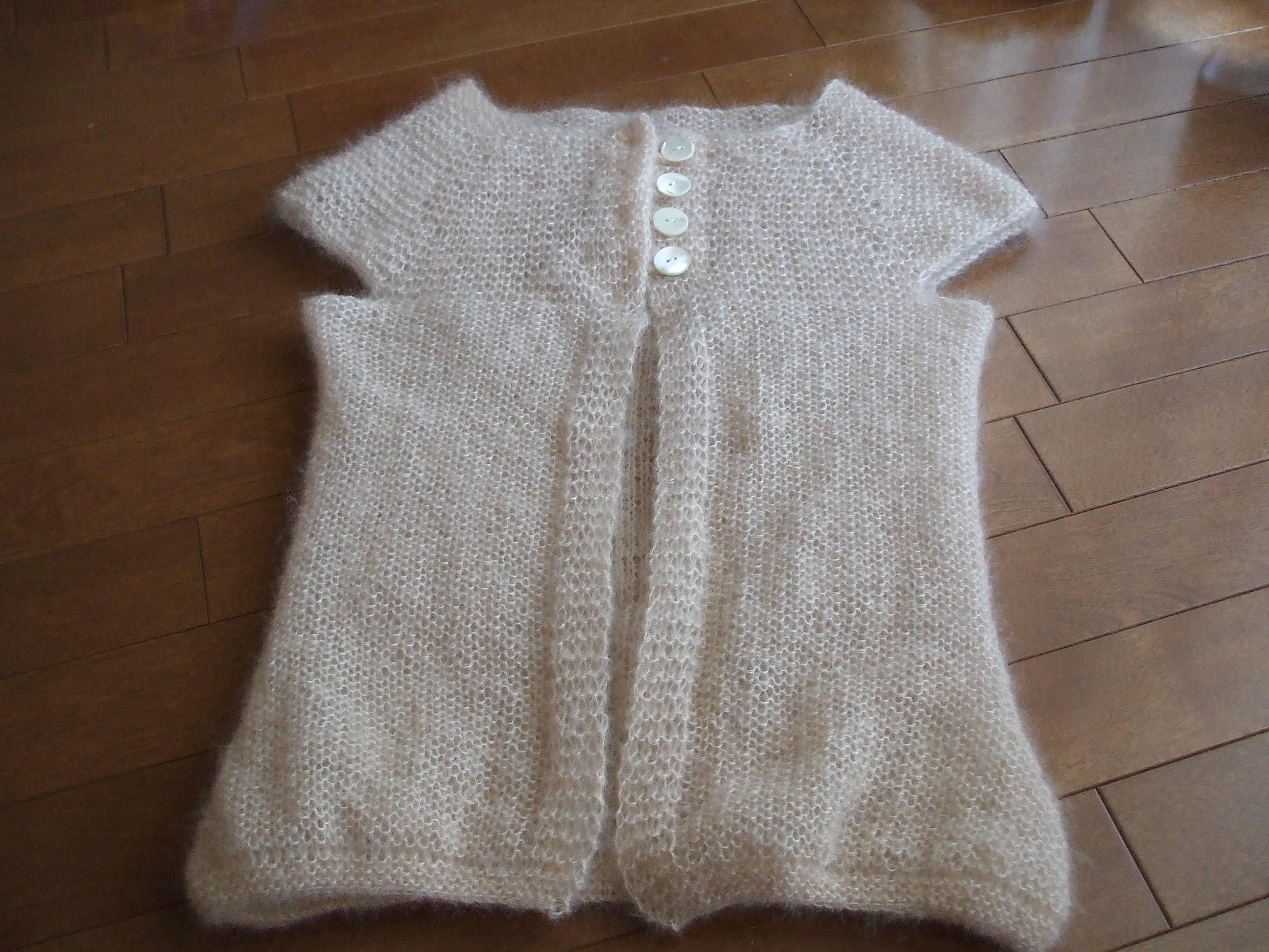 top down garter stitch yoke vest(まーバージョン) 完成