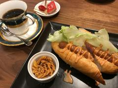 CAFE LE PIN 大須店