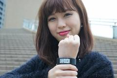 Sony Mobile 「SmartBand Talk (SWR30)」 レポート2 保護フィルム編