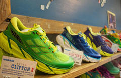 HOKA CLIFTON2