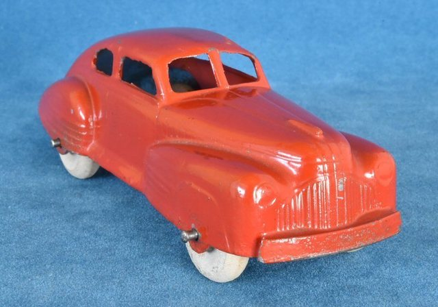 P76 1947 Buick Special Fastback red-4.jpg