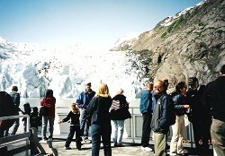 Portage Glacier in Alaska (18 June 2002).jpg