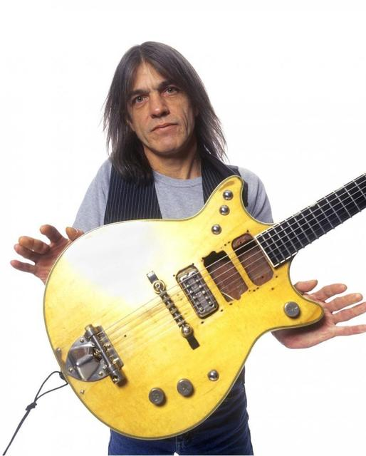 malcolm-young-guitarist.jpg