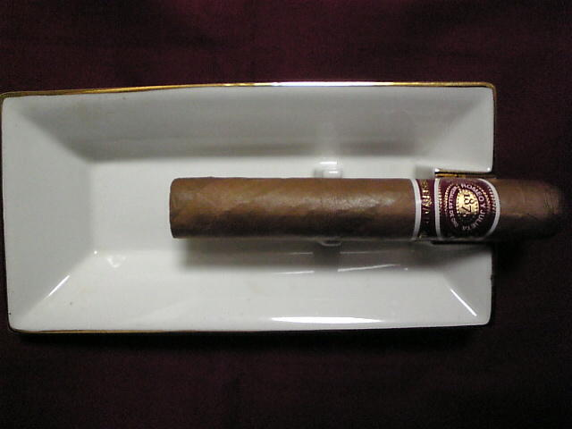 ロメオ・イ・フリエタ Reserva Real Robusto (Dominican)
