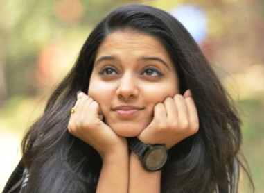4-You-Will-Fall-In-Love-With-Chaithra-Rao-After-Seeing-These-Cute-Selfies-Taken-By-Her.jpg