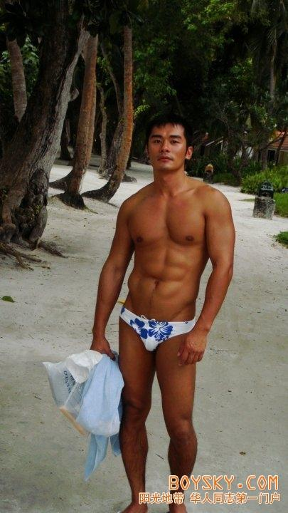 1559)a chinese fitness coach