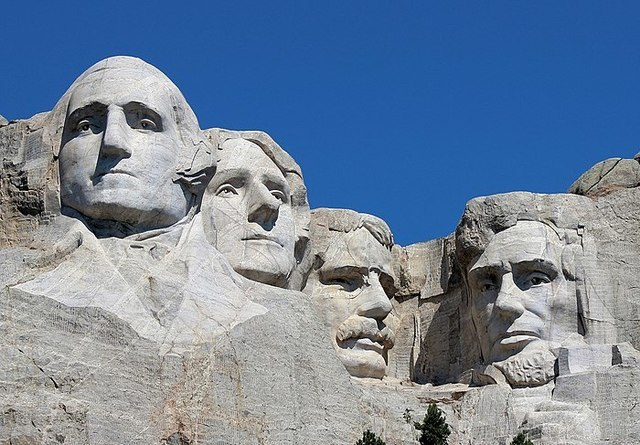 Mount_Rushmore_Closeup_2017.jpg