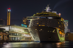 Voyager of the Seas-神戸大橋夜景-