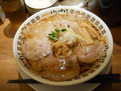 NEW OLD STYLE 肉そば けいすけ 背脂肉そば(名古屋市中村区)