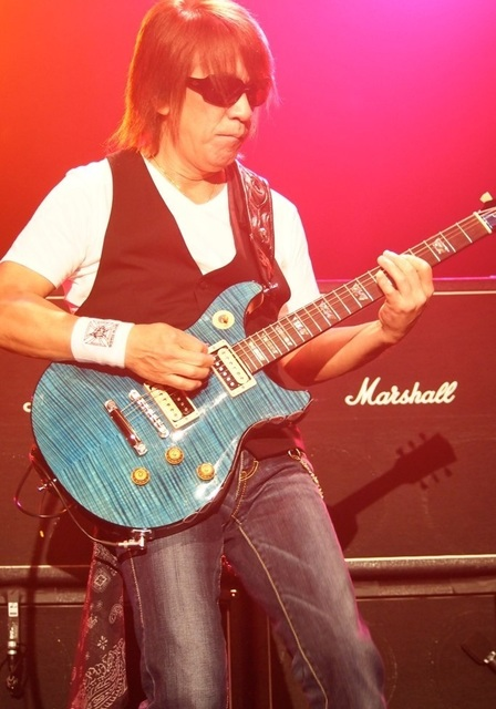 B'Z_at_Best_Buy_Theater_NYC_-_9-30-12_-_22.jpg