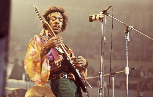 JimiHendrixGettyImages-84894709-720x457.jpg