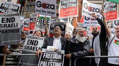 Demonstrators slam Israel atrocities 2014.8.2