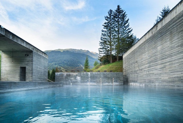 home_summer_hotel-therme-vals_02のコピー.jpg