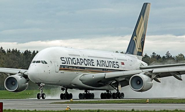 1W A380 Singapore_Airlines_9V-SKR_at_LSZH_(26465049242).jpg