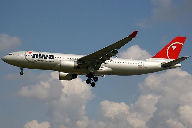 1-1-7A_A330-223,_Northwest_Airlines_AN1580544.jpg