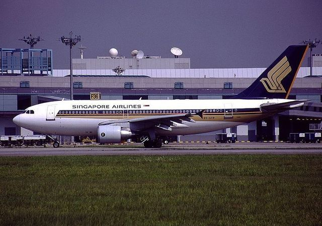 1-1-8A_A310-324,_Singapore_Airlines.jpg