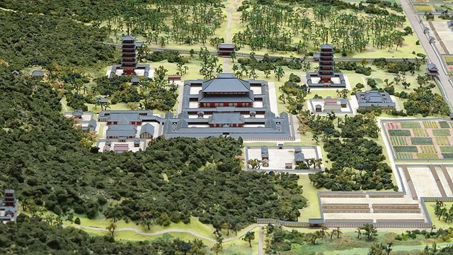 1-1-16A_Model_of_the_garan_of_Todaiji_seen_from_north_side.jpg
