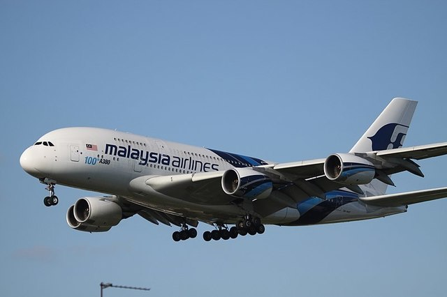1-1-26A_Malaysia_Airlines_A380 With_100th_A380.jpg