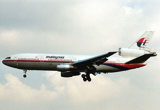 1-1-26A_Malaysia_Airlines_DC-10-30 9M-MAT.jpg