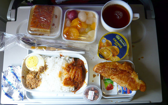 1-1-26A-Lunch_on_Malaysia_Airlines.jpg
