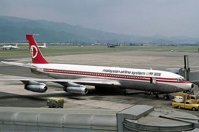 1-1-26A-Malaysian_Airline_System_B707-300.jpg