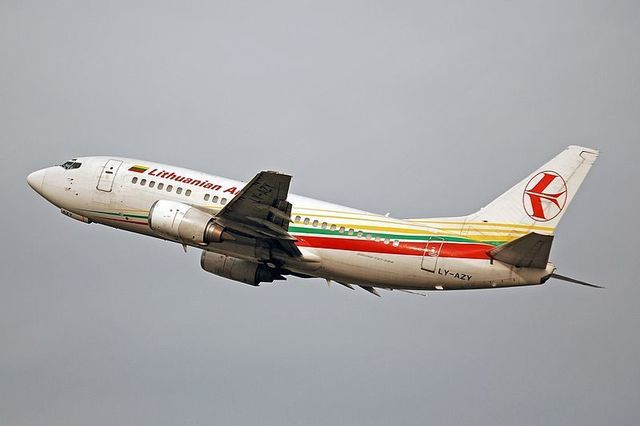 1-1-28A_Lithuanian_Airlines_B737-300.jpg